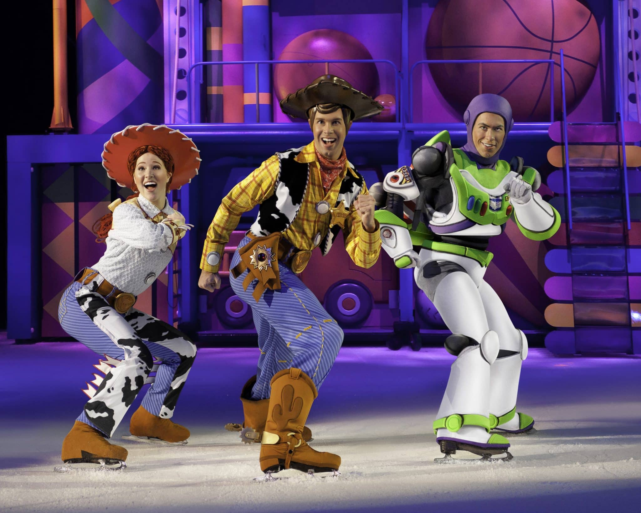 DISNEY ON ICE PRESENTS FOLLOW YOUR HEART | ThisNThatwithOlivia.com