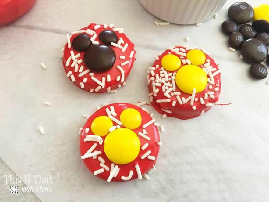 Mickey Mouse Oreos! #MickeyMouse #Dessert
