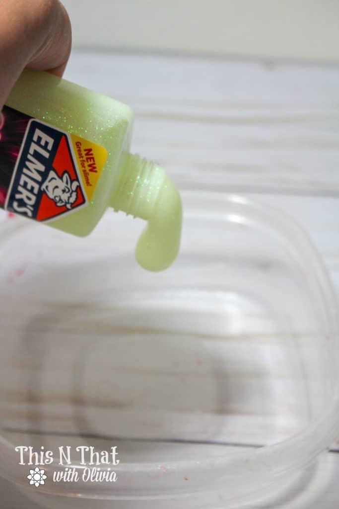 Glow in the Dark Slime Recipe + Tutorial!